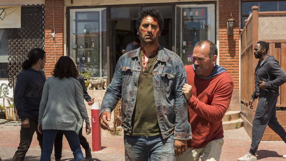 Travis Manawa (Cliff Curtis) en Episodio 15 Photo by Richard Foreman/AMC
