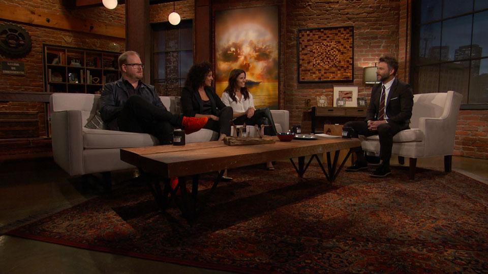 Chris Hardwick,  Jim Gaffigan, Tamera Mowry-Housley e Mercedes Mason (Ofelia Salazar) no Episódio 6