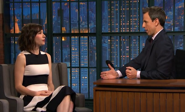 carrie-brownstein-late-night-seth