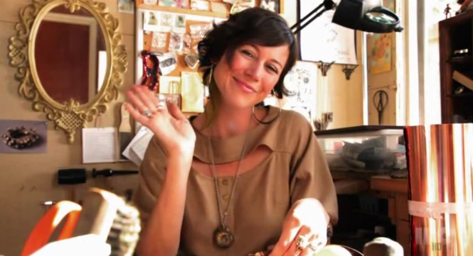 shes-making-jewelry-now-portlandia-you-tube