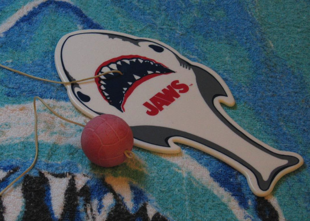 Jaws Paddle Ball
