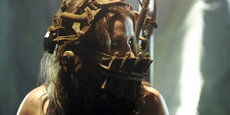 SAW, Shawnee Smith, 2004. ph: Greg Gayne/©Lionsgate/courtesy Everett Collection