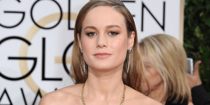 Brie Larson Golden Globes red carpet