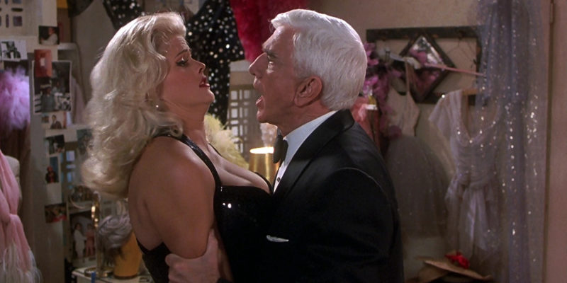 Tanya_Peters_in_Naked_Gun_3_(played_by_Anna_Nicole_Smith)_411