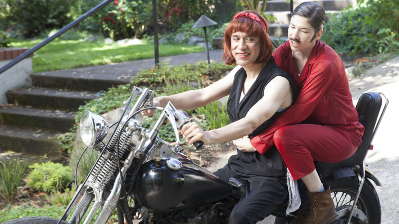 Portlandia, Season 4, We Can't Both Be Crying