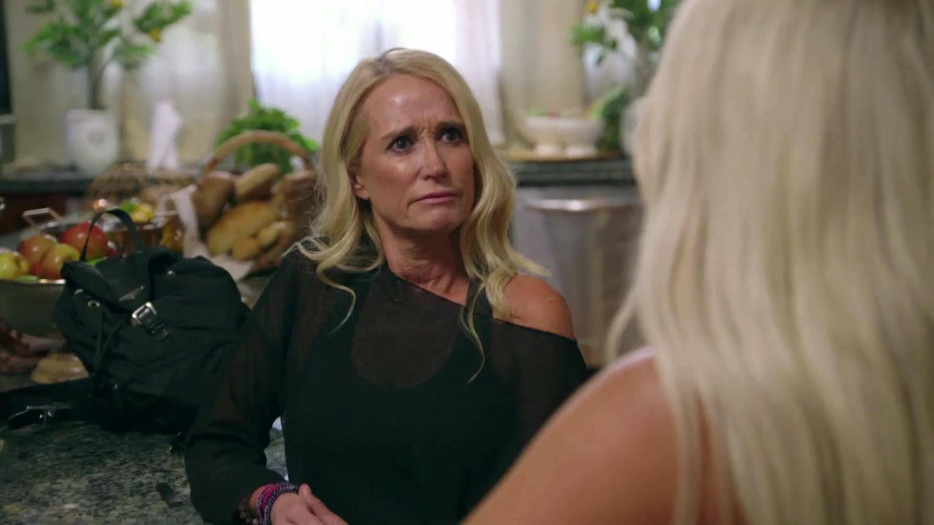 Marriage Boot Camp: Reality Stars – Girl Talk! – WE tv
